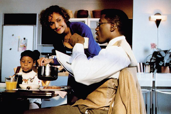 Lonette McKee with Wesley Snipes in the movie 'Jungle Fever'