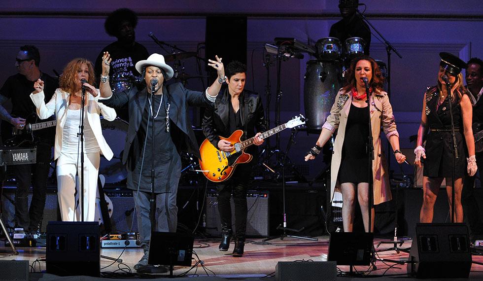D'Angelo, Wendy Melvoin, Maya Rudolph, Gretchen Lieberum