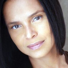 victoriarowell1a_980
